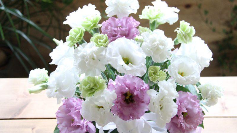【お供え】白・紫のアレンジメント
