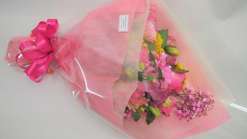 【誕生日】ピンク色ワンサイドブーケ